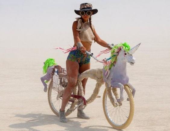Art Bike Invasion: meniniai dviračiai Lietuvai tiesiai iš JAV dykumos